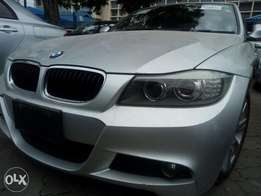 Impecabble BMW 320i Silver