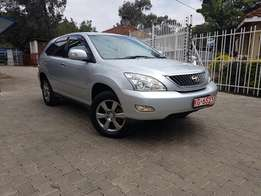 2010 Toyota Harrier 4WD with Genuine low mileage