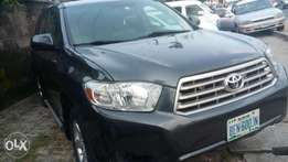 Extremely sharp and sound direct 2010 Highlander limited full option