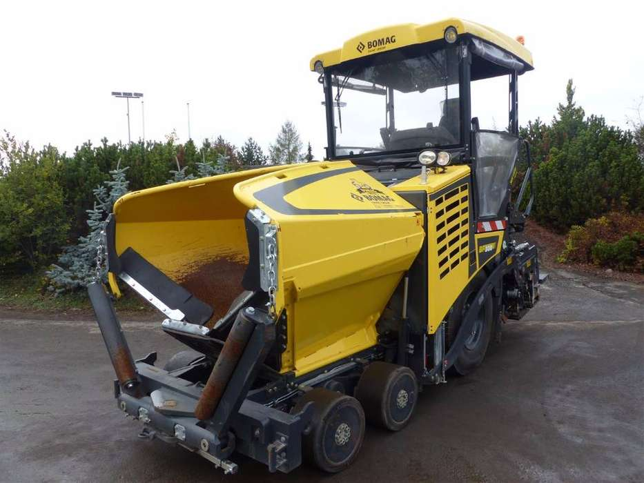 BOMAG Bf 300 P-2 S-3402 Tv - 2017