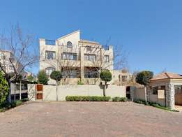 2 Bed Ground Floor Unit in Fourways / Lonehill