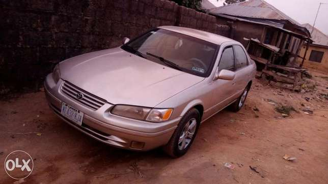 Clean toyota camry pencil ligth Suleja - image 1
