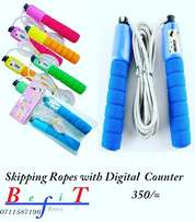 Skipping rope with digital counter