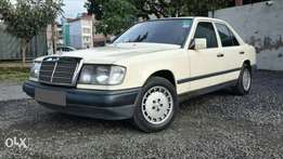 Mercedes-Benz 200 , Ivory, Year 1986, Engine 2000cc, Manual
