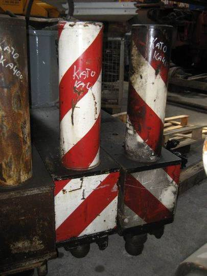 Kato Ka 400 Outrigger Cylinder