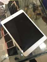 iPad mini 16gb silver.