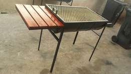 Traditional braai stand with side table R850