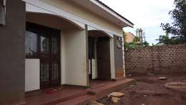 1 bedroom and sitting room in namugongo at 200k