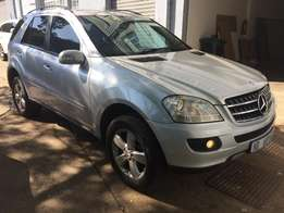 Mercedes Benz ML500 4matic sunroof very clean R159990 neg