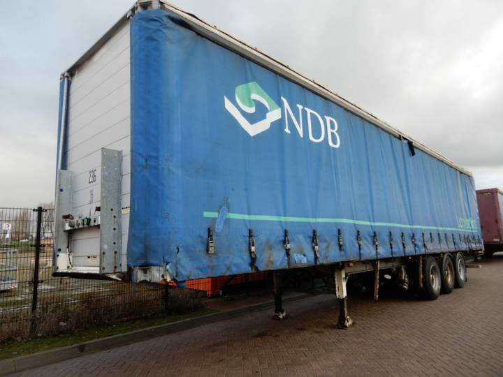 Groenewegen Curtain sider / Lift axle / Joloda floor - 2000