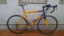 Giant TCR Team Road Bicycle 55.5cm - R2999