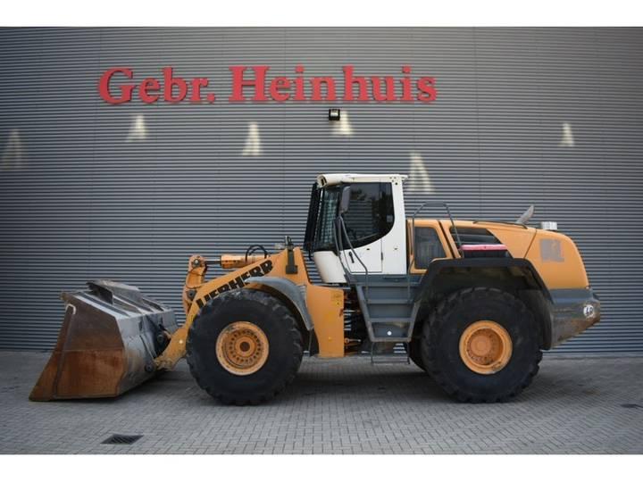 Liebherr L576 2plus2 Weightsystem - 2011