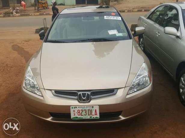 Tincan cleared 2005 Honda Accord EX-L gold colour Lagos Mainland - image 1