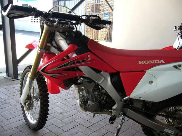 2015 HONDA CRF 250X for sale for only R59 900! As new never been raced Pretoria - image 3