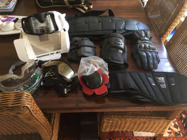 Oakley goggles, bolle off road goggles and more Feather Brooke Estates - image 1