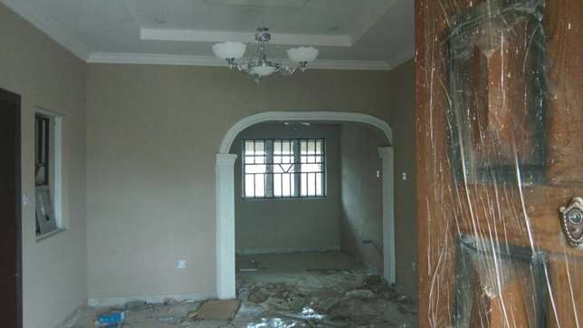 Newly built 3 bedrooms apartment close to A3 hotel Ibadan South West - image 2