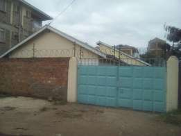 2 bedrooms house to let - Polyview