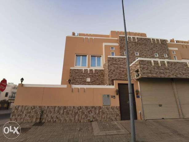 5 + 1 BR Unique Townhouse in Ansab
