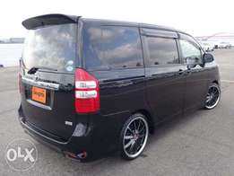 Toyota noah 2011 with wooden finish