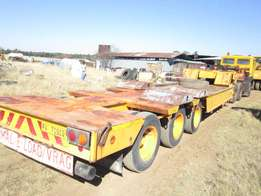 3 Axle Low Bed (Folding Goose Neck)
