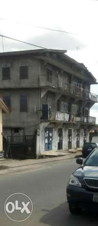 Old 2 Story building at P.H Obio/Akpor - image 2