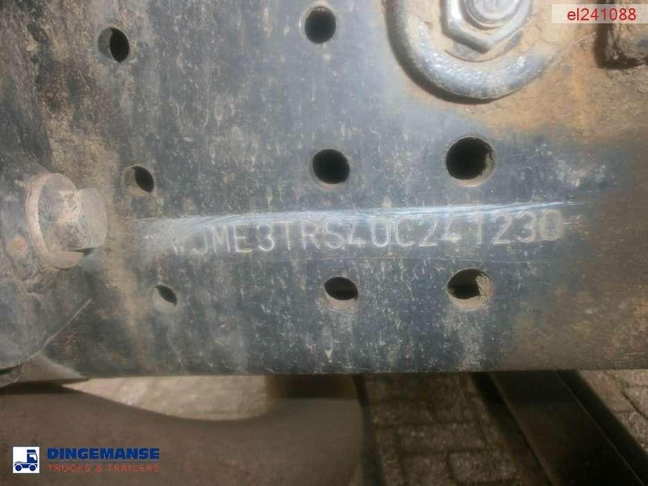 Iveco AD380T38 6x4 tipper - 2011 - image 30