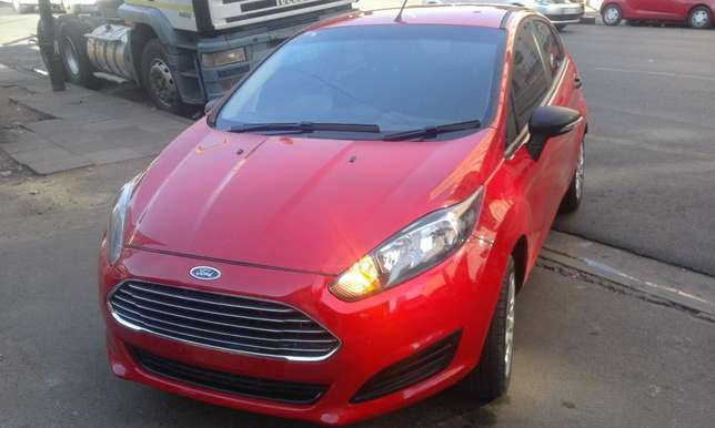 Ford fiesta 2014 model red in color 39000km R143000 with full service Johannesburg CBD - image 1