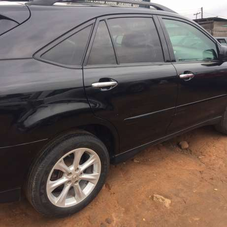 registered 2009 model Lexus RX350 Ikeja - image 4