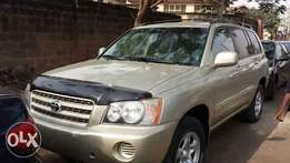 Super clean tokunbo toyota highlander for cheap buy and drive