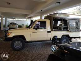 Toyota Land cruiser pick up accident free 2007