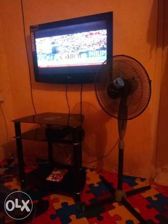 LG TELEVISION 32 inches for sale Enugu East - image 2