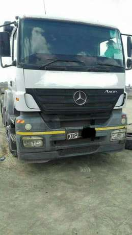 Clean and Well Maintained Axor MP2 Prime Mover 2540 - Accident Free Mombasa Island - image 2