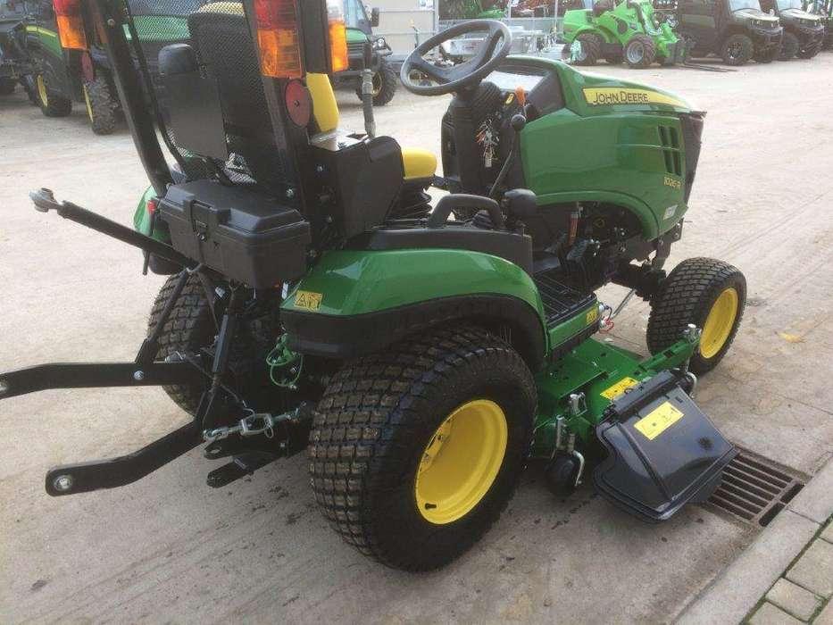 John Deere 1026r Sub Compact Tractor - image 4