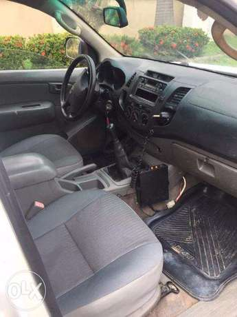 TOYOTA HILUX 2010 In Great Condition Asokoro - image 5