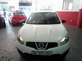 2012 Nissan Qashqai 1.6 Tow Bar, Color White, Price R135,000.