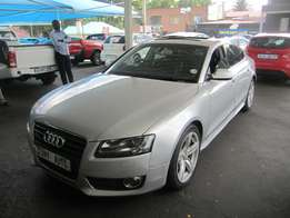 Automatic 2011 Silver Audi A5 2,0 engine
