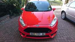 Ford Fiesta ST 1.6 GDTi (AS NEW)