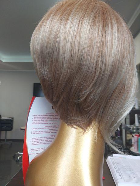 Peruka Sztuczne Włosy Blond Krótkie Bob Asymetria Grzywka