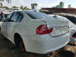 BMW E90 320i for stripping