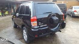 Very Clean 2003 Toyota Rav4 toks