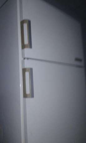 Am selling my bosch fridge still in very good condition there is more Pretoria West - image 1