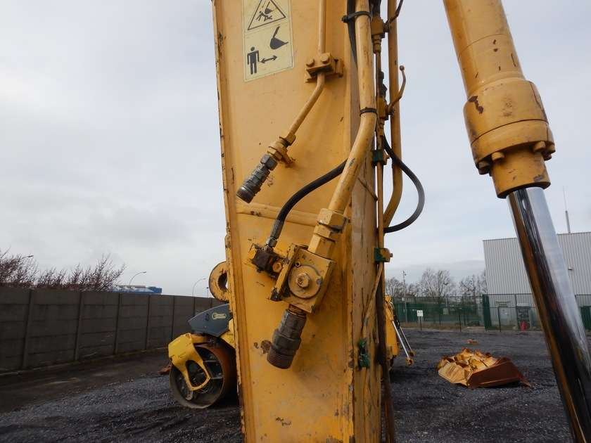 New Holland E135BSR-2 - 2009 - image 23