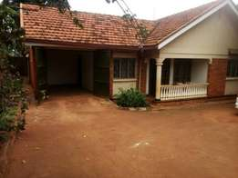 A nice 4bedroomed stand alone house for rent in ntinda at 1,3m