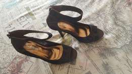 Ladies nr 5 heels chocolate brown with black lace for sale, used for sale  Equestria