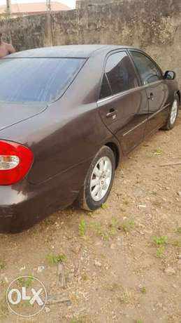 ADORABLE MOTORS: A 2004 Tokunbo Toyota Camry XLE Lagos Mainland - image 2