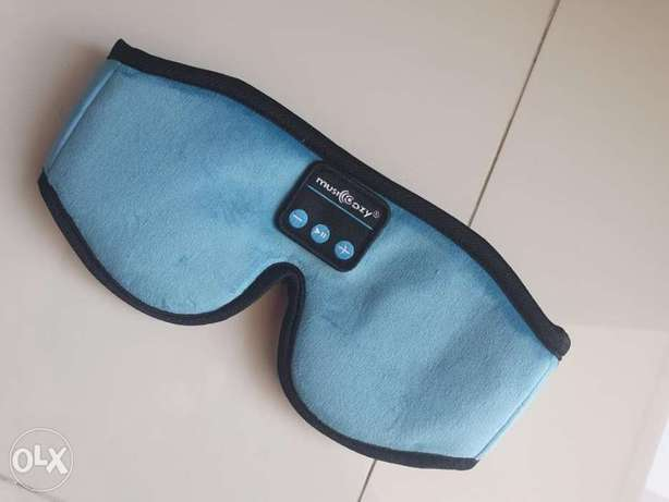 Headphone sleep mask works with Bluetooth
