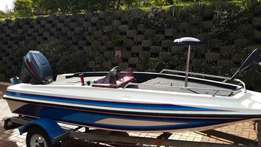 Bass boat with trailer reduced Urgent sale