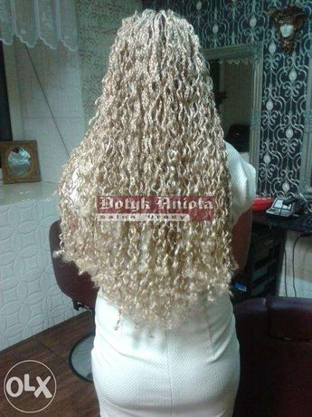 Warkoczyki I Przedłużanie Włosów W Profesjonalnym Atelier W