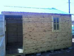 Logcabin Newlouver and knottypine
