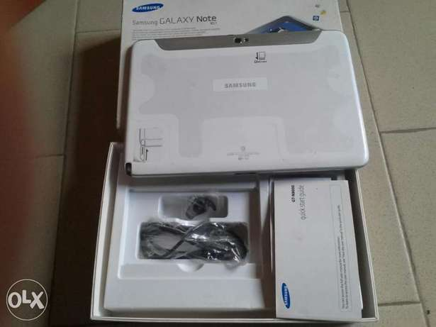 10.1 inches brnd new but opened carton samsung note tab Yaba - image 3